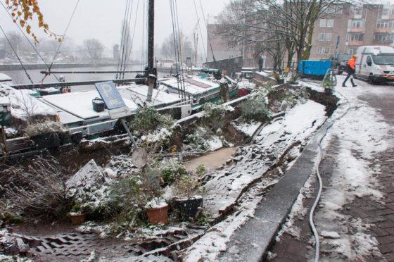 Amsterdamse kademuur ingestort