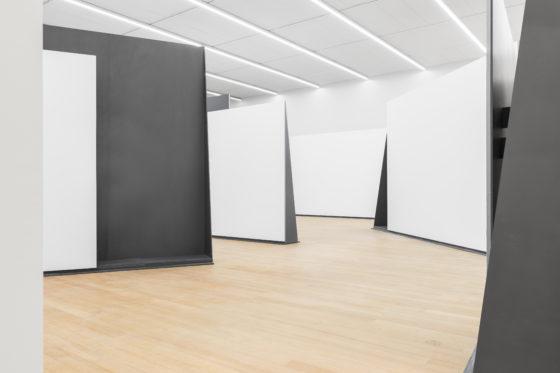 Prijzig stalen kunstje Rem Koolhaas in Stedelijk eindelijk af