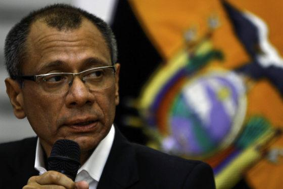Vicepresident Ecuador cel in na aannemen steekpenningen bouwer