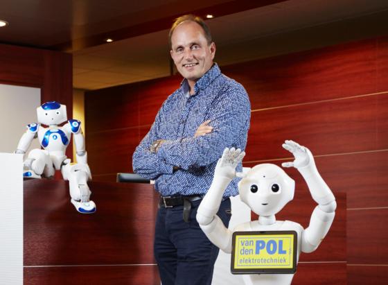 Van den Pol: Robots voor het zware en vieze werk