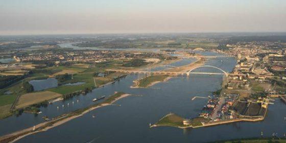 Waterstand Rijn piekt woensdag: Vuurdoop voor Nevengeul Nijmegen