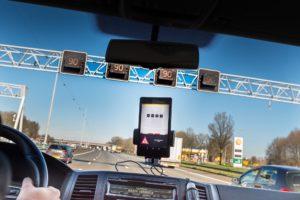 On board unit verkeerssystemen zelfrijdende auto's
