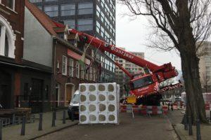 'Routineklus' hijskraan eindigt in dak studentenvereniging
