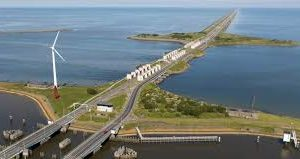 Rijkswaterstaat betaalt 549 miljoen euro voor Afsluitdijk: Weer een koopje