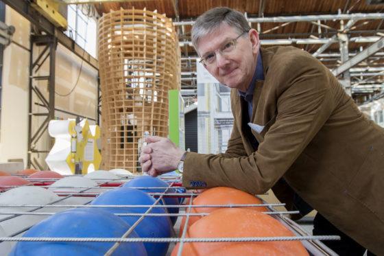 Maaiveld | Frans Versteeg bakt de bollenvloeren in zijn keuken 'au bain-marie'