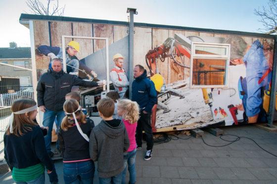 Reportage | Met bouwkeet op schoolplein laten zien dat de bouw 'cool' is