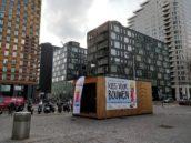 'De gemeente Amsterdam is niet blind', klinkt het in het tiny house op de Zuidas