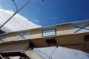 Waalbrug krijgt 'warm grijze' kleur