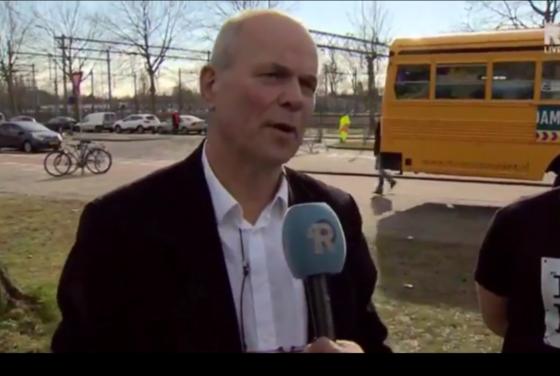 Maaiveld | Hennes de Ridder geeft college aan harde kern Feyenoord