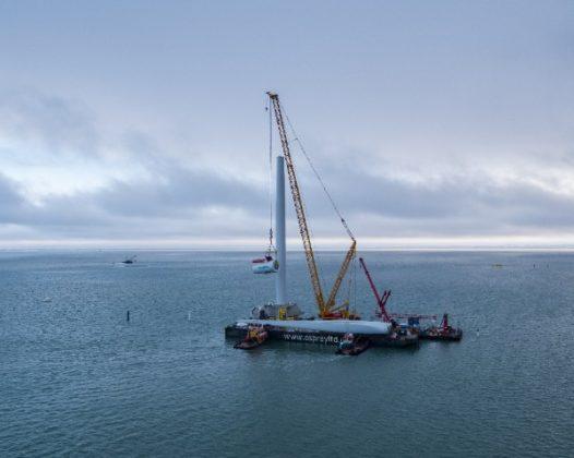 Installatie windpark vanaf ponton voorkomt tijdrovend baggerwerk