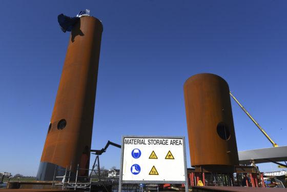 Hollandia bouwt complexe toren met functionele roestlaag op puntje Tweede Maasvlakte