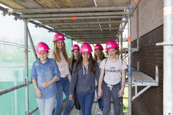 'Girlsday nu extra belangrijk door personeelstekort in de bouw'