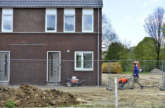 Waarom we steeds minder middelgrote woningen bouwen (maar wel meer kleine en grote)