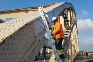 Chroom-6 frustreert renovatie Waalbrug: KWS past 140 werkplannen aan