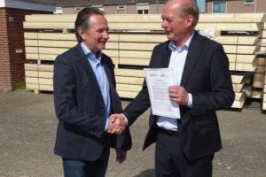 Markt regelt recycling van betonnen dakpannen in convenant
