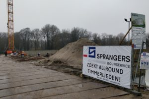 Bouwers halen 14.000 vakmensen binnen; toch is het niet genoeg