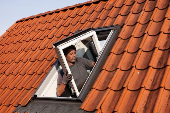 Voetafdruk dakramen een derde omlaag door gestructureerde inzameling