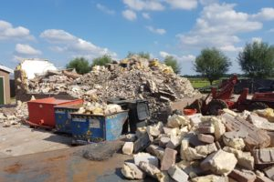 Nieuw milieu-probleem? Niemand wil berg bouwpuin met purschuim innemen