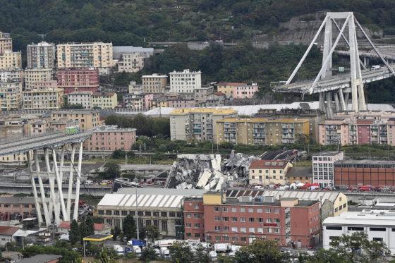 Noodtoestand uitgeroepen rondom rampbrug Genua