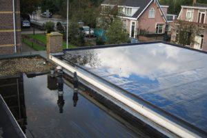Drukte bij dakdekkers door toename waterschade aan woningen