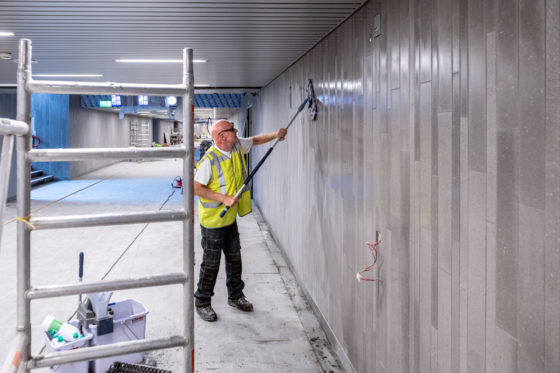 Middentunnel onder Utrecht CS weer open: betonvloer zat tegen