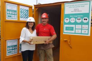 Van Wijnen plaatst speciale container voor bouwkringloopwinkel