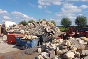 Minister over 'peperdure' Twentse pur-puinhoop: 'Nauwelijks recyclebaar en dus gestort'
