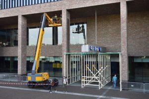 Het regent steenstrips op station Breda, maar een hoosbui is het zeker niet