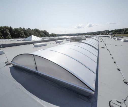 Velux lijft dakramenproducent JET-Group in