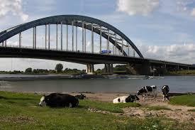 Geen bebouwing op boogbrug Vianen: Rijkswaterstaat herstart tender ontmanteling