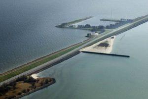 Zandmotor zoet water werkt ook, bewijst pilot Houtribdijk