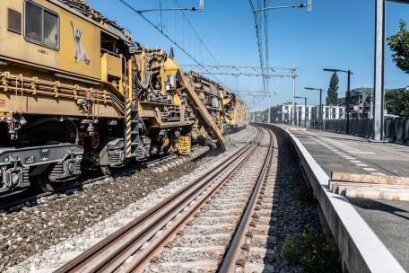 VolkerRail blundert bij Zaanlijn: Alle kraagbouten moeten alweer vervangen