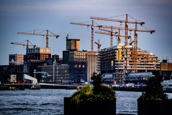 Woningmarktdeskundigen over woelige tijden: 'De zeepbel loert, maar een nieuwe bouwcrisis… Nee.'