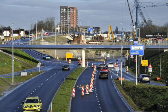 Heijmans pakt scheuren in vloer tunnelbak aquaduct Leeuwarden aan