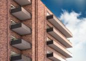 Zonne-energie oogsten met de balustrade van balkon of galerij