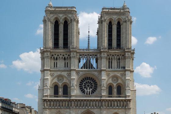 """Specialisten over Notre Dame: """"Tekort vaklieden bemoeilijkt herstel"""""""
