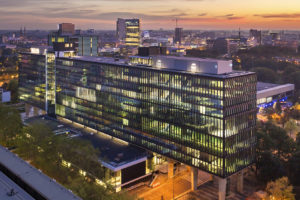 Atlasgebouw TU Eindhoven voert wereldranglijst duurzame onderwijsgebouwen aan
