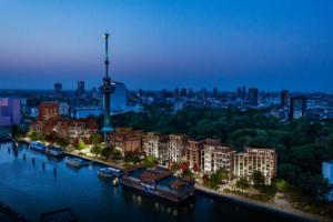Zevenhonderd woningen naast de Euromast