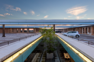 Honderden glaspanelen station Breda uit voorzorg verwijderd