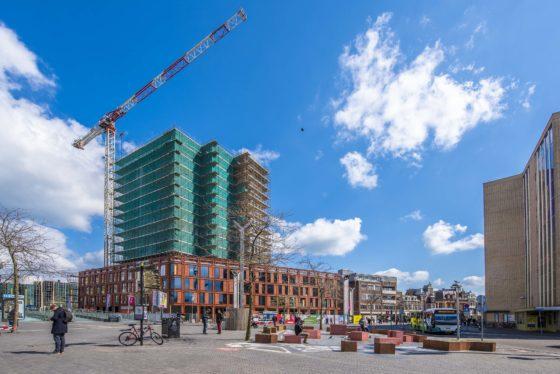 Leidens hoogste dakpolder bevloeit vegetatie op lagere daken van Lorentz