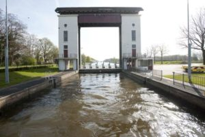 TBI monteert zaterdag puntdeuren in Sluis Eefde