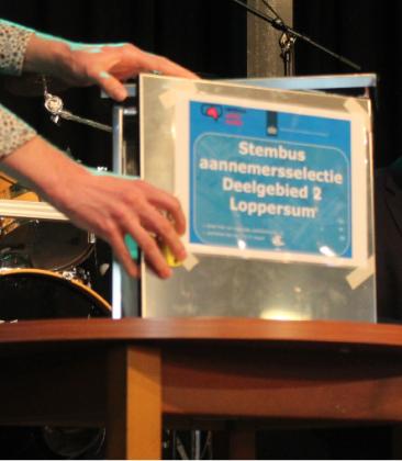 De openbare aanbesteding van Loppersum: 'Het leek het songfestival wel'