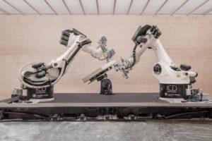 Robots slaan 18.000 houten spijkers in bouwdelen  paviljoen