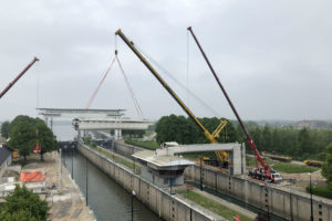 Witte loopbrug Beatrixsluis gesloopt: terug naar de jaren 30