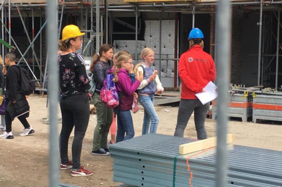 'Kinderen zonder helm op bouwplaats? Daar is geen excuus voor'