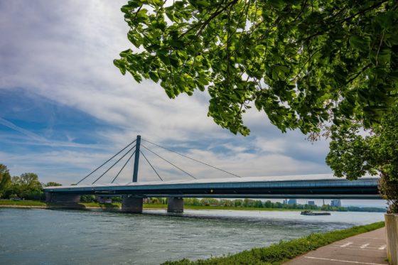 Duitse markt loopt langzaam warm voor Nederlandse techniek van overlaging bruggen